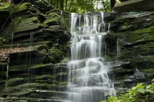 waterfall-800055_640